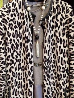 leopard-neck