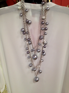 pearl-clusters-neck